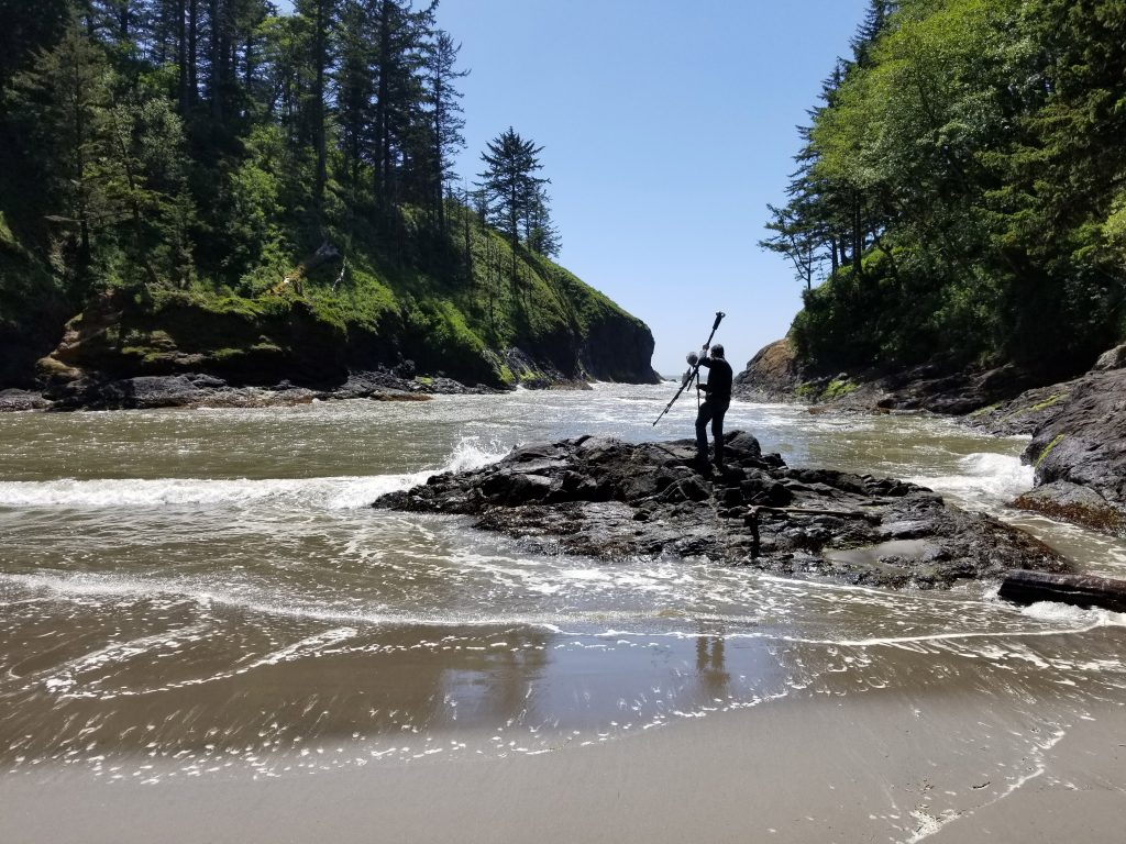 Thomas Hayden places the Z-cam S1 Pro at a nice vantage point in Dead Man's Cove at Cape Disappointment.